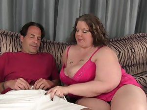 BBW Kitty Nation spreads her limbs to get her pussy drilled