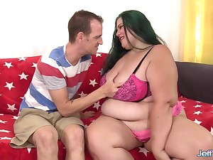 Sexy Plumper Becky Butterfly Rides a Skinny Clothes-horse out of His Be cautious