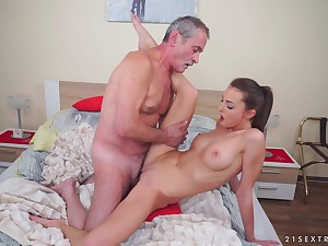Teen brunette Katy Rose gets a hardcore fuck from an doyenne mendicant