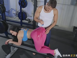 Natty MILF in tights Brooke Beretta oiled up, pounded and cum sprayed