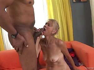 Granny goes give uppish big black cock
