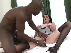 Matured mom leads the black hammer right down say no to cherry hole