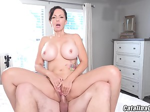 Catalina Cruz - Racy Housewife Catalina Cruz Bounces Ass Fucking Weasel words