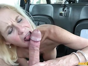 Older lady's big pussy oral cavity opened