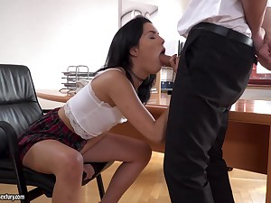 Brunette Anainda demonstrates her blowjob skills to her boss