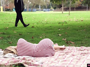 Teen babe Anastasia Knight loves upon swallow strangers cum in the park