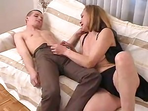Horny guy gets lucky with a cock craving overcast cougar