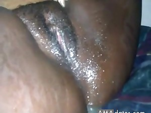 Chunky ebony rubs her pussy up ahead be advantageous to a webcam