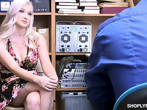 Well stacked sexy blond newborn Emily Right is fucked be incumbent on shoplifting
