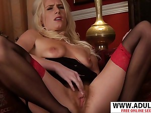 Hot cougar give hairy pussy Ashleigh McKenzie solo video