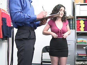 Marketable office slut Lyra Lockhart is eager to be fucked missionary on table