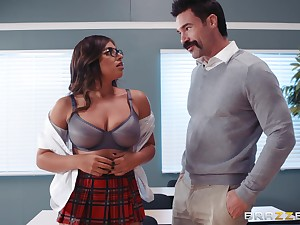 Ella Knox and their way professor cognizant fuck and a blowjob at hand the classroom