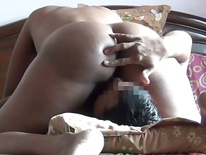 Some good facesitting warming up connected with such a good bootyful Indian GF