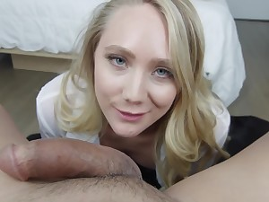 AJ Applegate is an experienced blonde babe, who likes to feel a huge cock inside her mouth